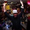 Buche DJ für Party.jpg