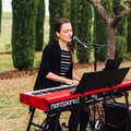 Sängerin Pianistin buchen.jpg