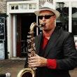 saxofonist ron live optreden