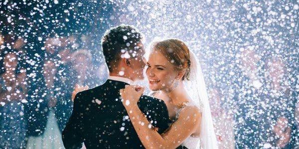 bruid-bruidegom-dans-confet.jpg