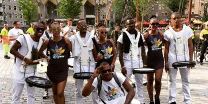 Wereldmuziek- Brassbands-inhuren-feesten en evenementen.jpg