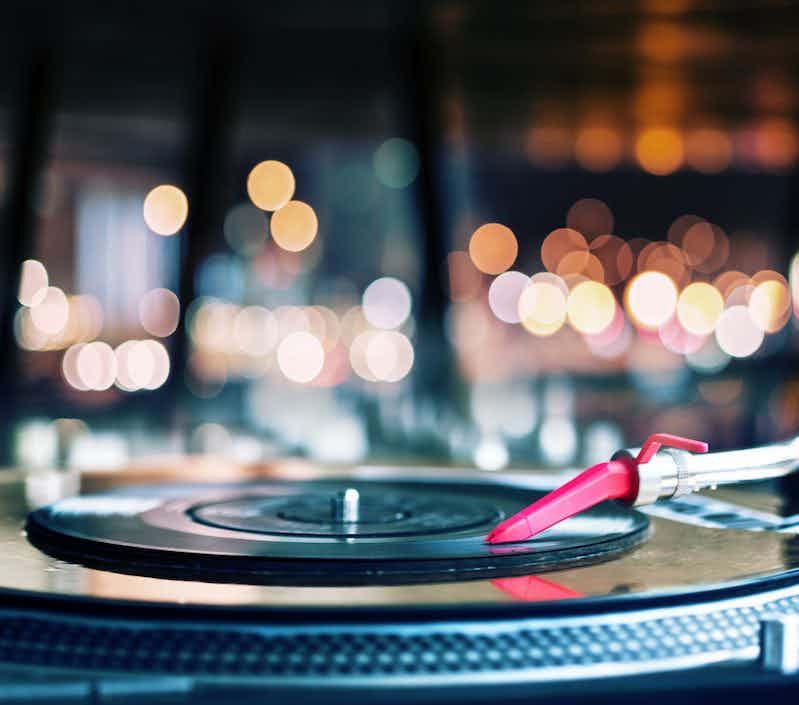 vinyl-focus