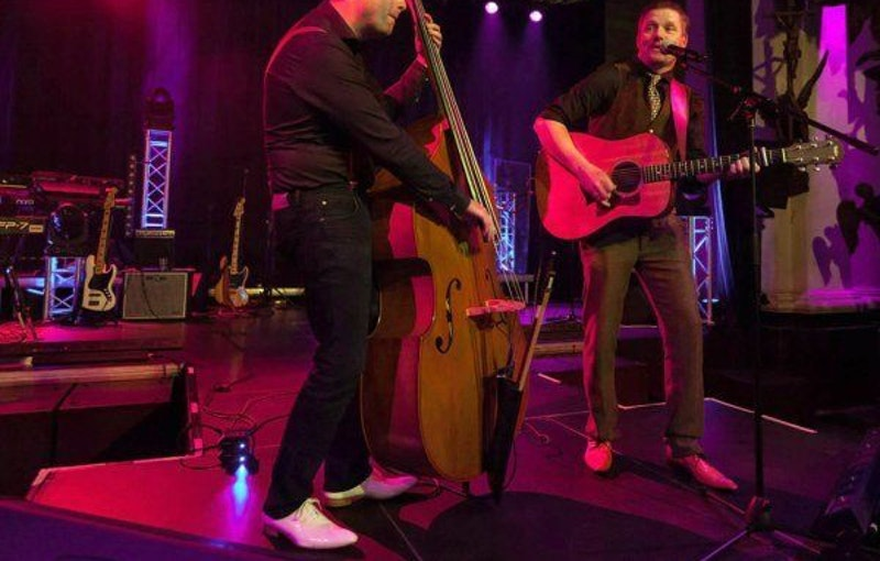 Acoustic Lounge Duo coverband buchen.jpg