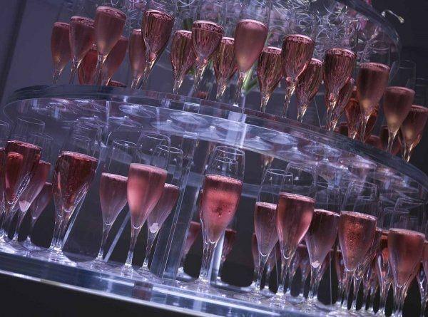 Champagnetoren huren bruiloft receptie