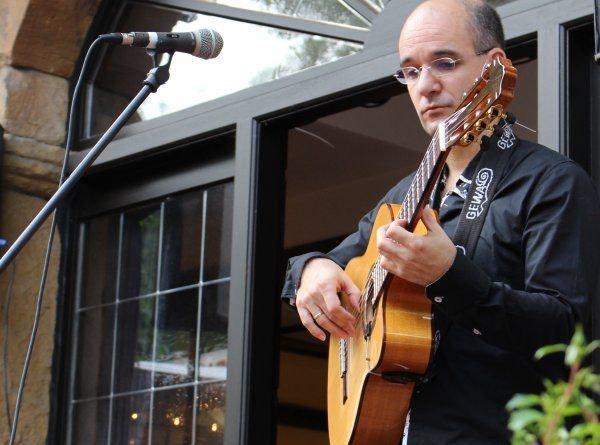 Spanischen Gitarristen buchen
