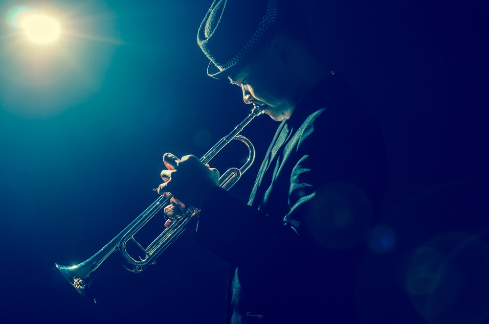 Trompetist-jazz-buchen