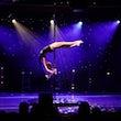 Akrobatischer Pole Act