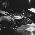 Vinyl DJ ()