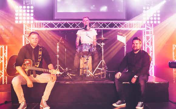 Acoustic Band buchen.jpg