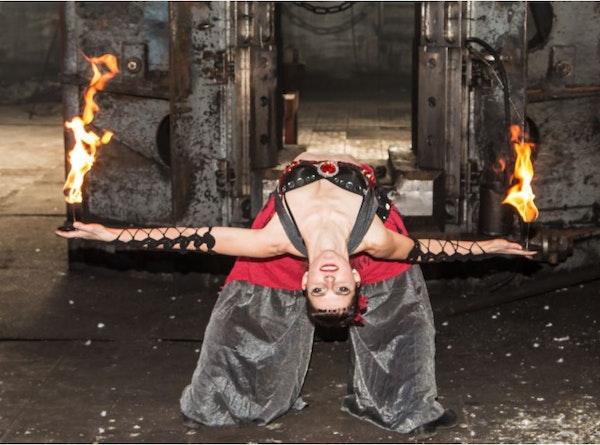 FireWoman buchen