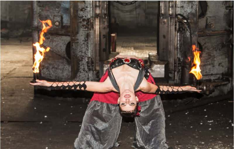 FireWoman buchen.JPG