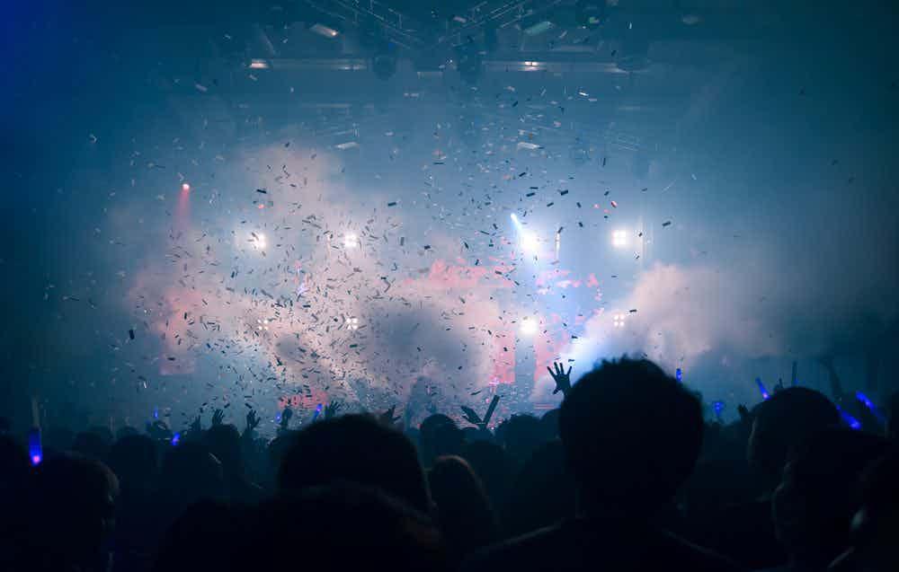 feest-confetti-publiek