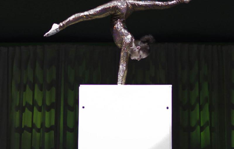 kerstshow-acrobatiek.png
