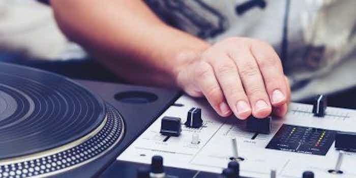 deejay-playlist-djs.jpg