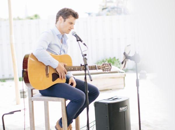Zanger gitarist boeken bruiloft