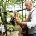 Zanger-gitarist boeken voor uw feest.JPG