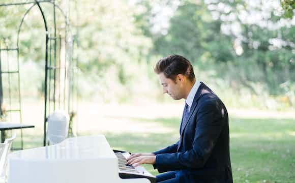 pianist boeken ceremonie.jpg
