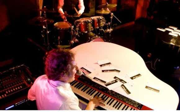 piano entertainer-drummer.jpg