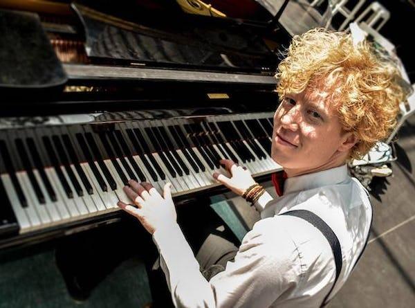 zanger pianist boeken feest