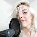 evenses sangerinden laura 3.jpeg