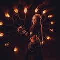 vuurshow-danseres-donker.jpg