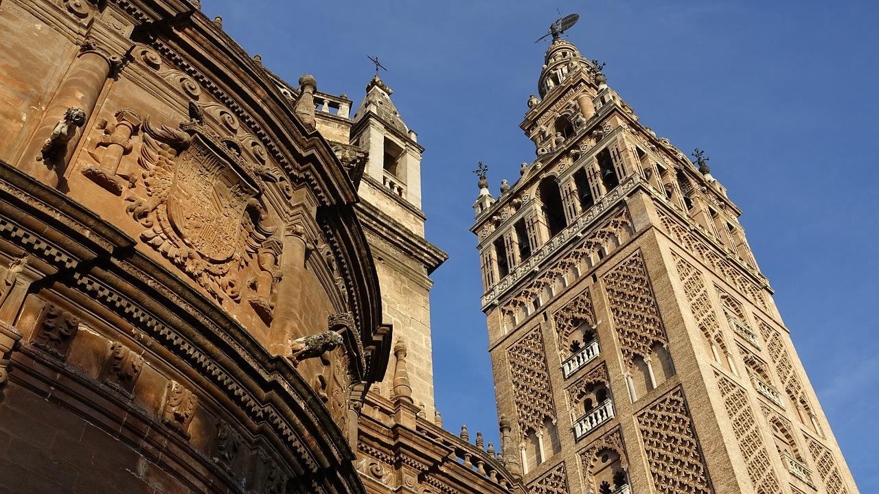 La Giralda de Sevilla.jpg