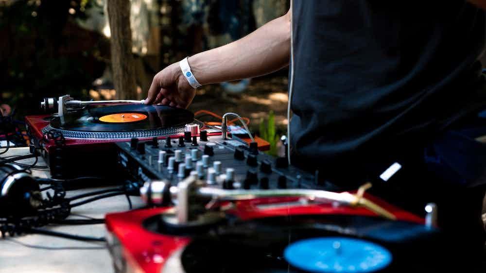 Vinyl DJ boeken.jpg