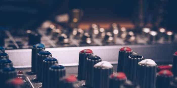 macro-shot-audio-equalizer-744318.jpg
