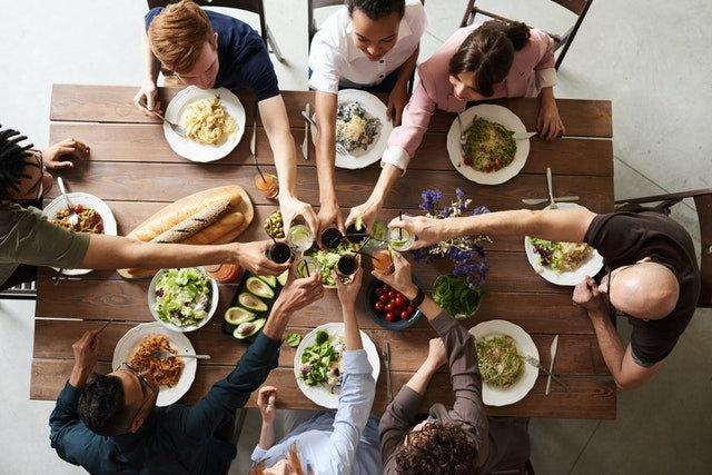 organiser un repas entre amis.jpg