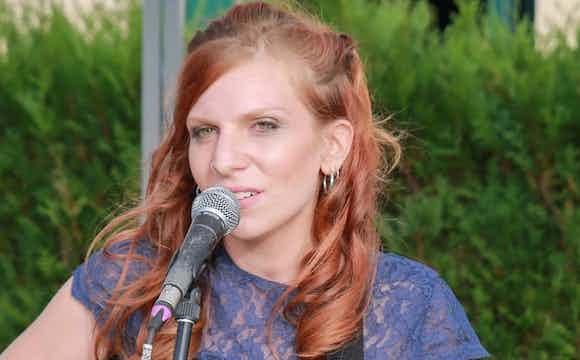 Réserver la chanteuse Elisabeth