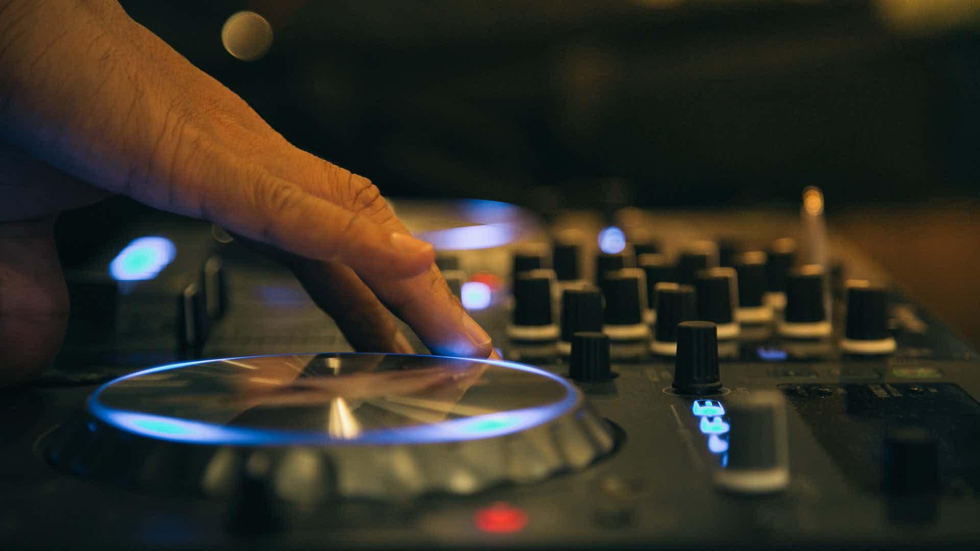dj set mixer