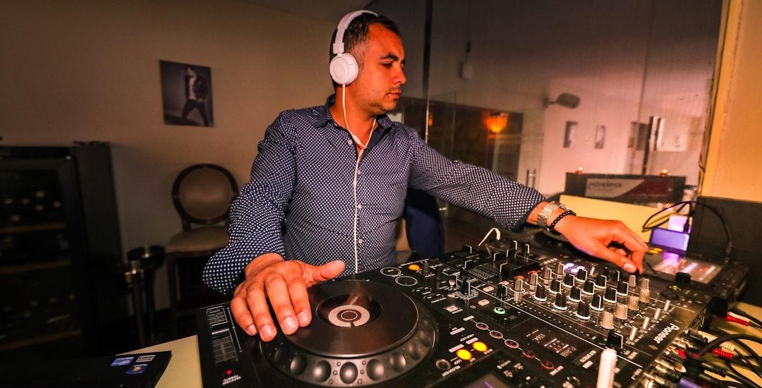 DJ Eindhoven boeken.jpg