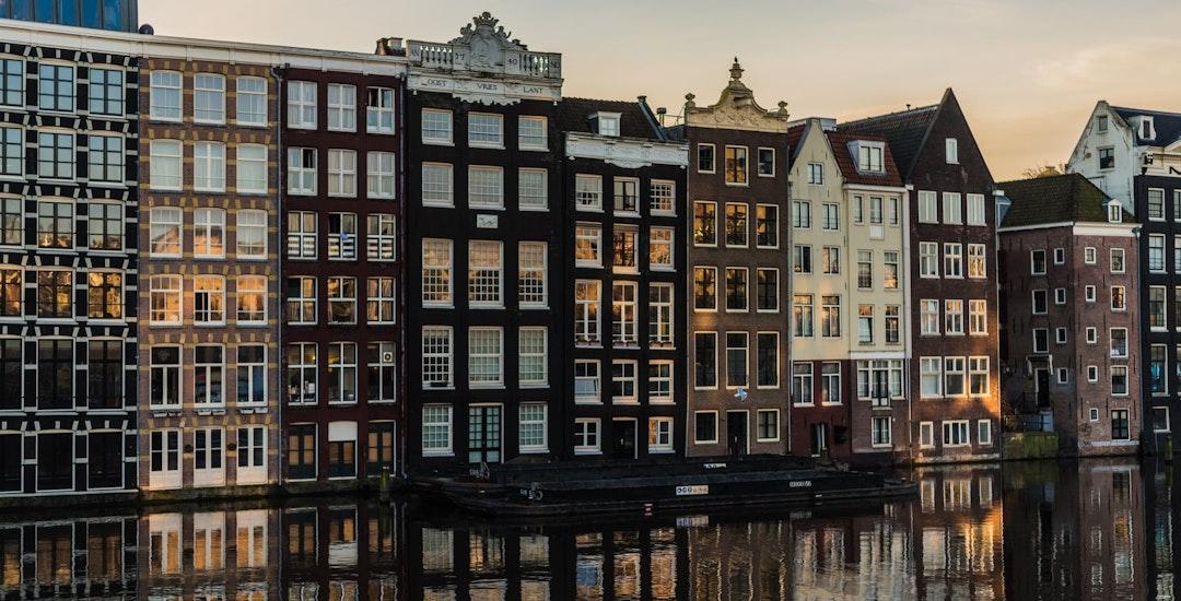 Amsterdamse zanger Amsterdam Amsterdamse zanger Amsterdamse zanger boeken.jpeg