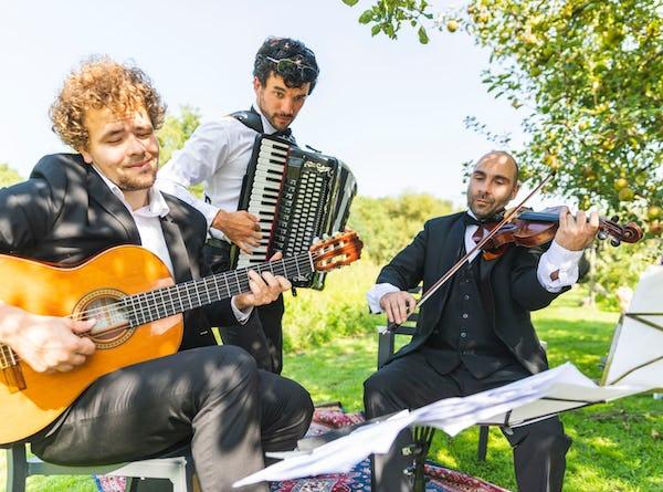 Klassieke trio boeken feest
