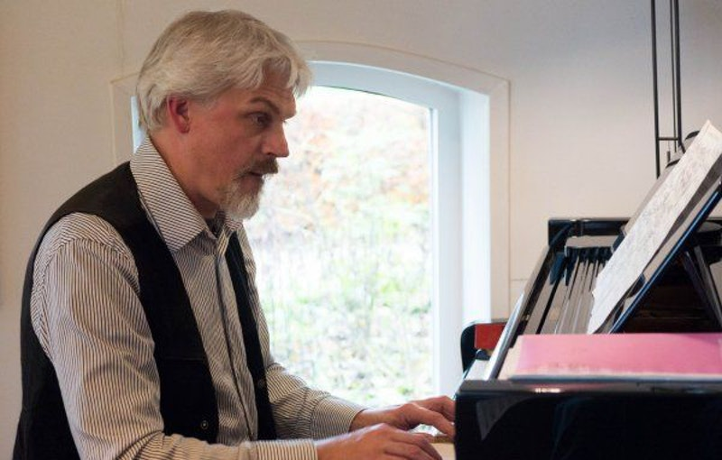 Pianist Jens boeken.jpg