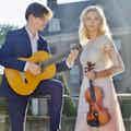 Strings Attached boeken huwelijksfeest.jpg