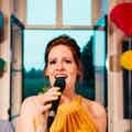 Christelijke zangeres boeken kerkdienst