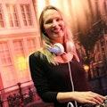 Female DJ huren bruiloft.jpg