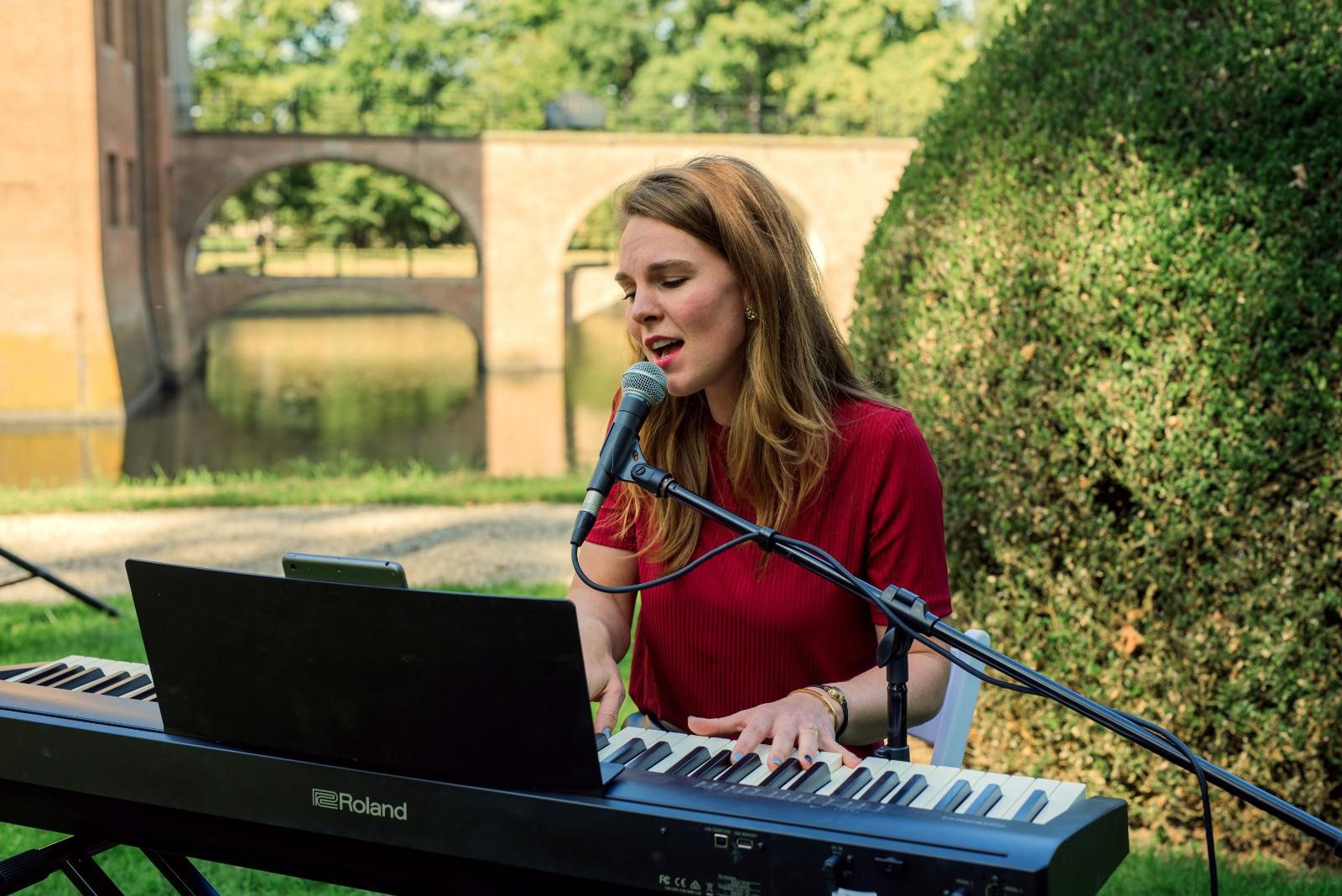 zangeres-pianiste Fenna boeken