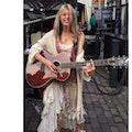 zangeres gitarist