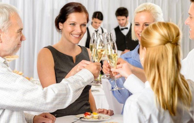 bedrijsfeest-proost-champagne.jpg