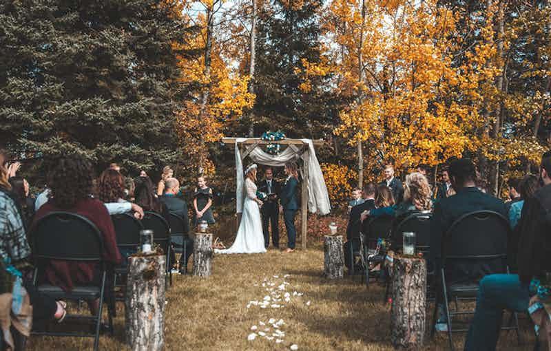 bruiloft tuinfeest ceremonie
