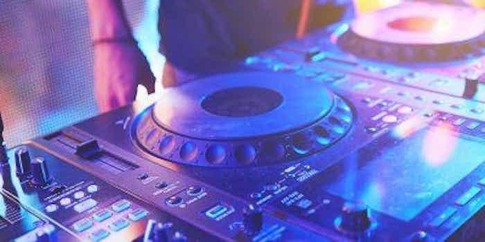 dj-mixtafel-club-2.jpeg
