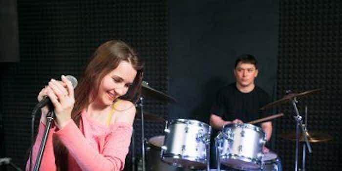 muziek-duo-drum-zang.jpg