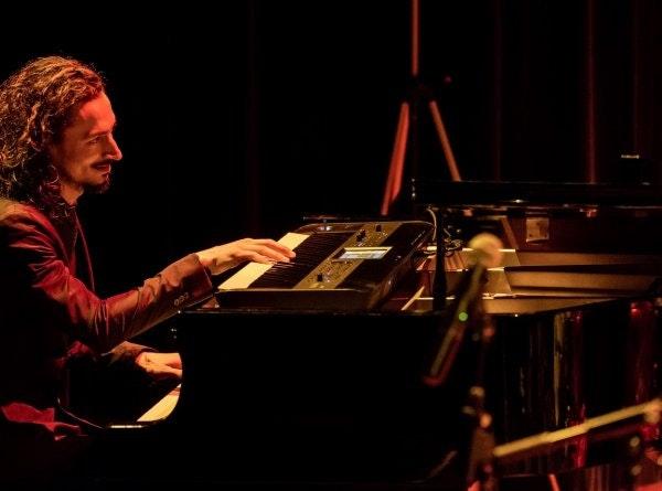 Klassiek pianist Wout boeken