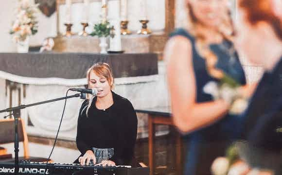 zangeres pianiste boeken Huwelijk
