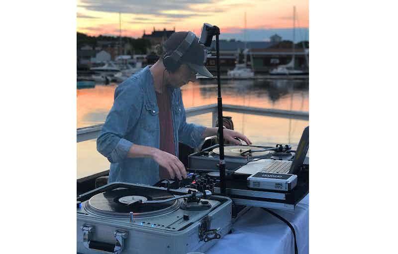 Boka DJ vinyl musik.jpg
