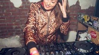 DJ good vibes