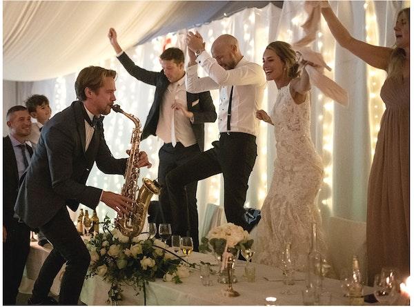 Saxofonist till ditt bröllop