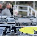 Boka Vinyl DJ till din till din firmafest.jpg